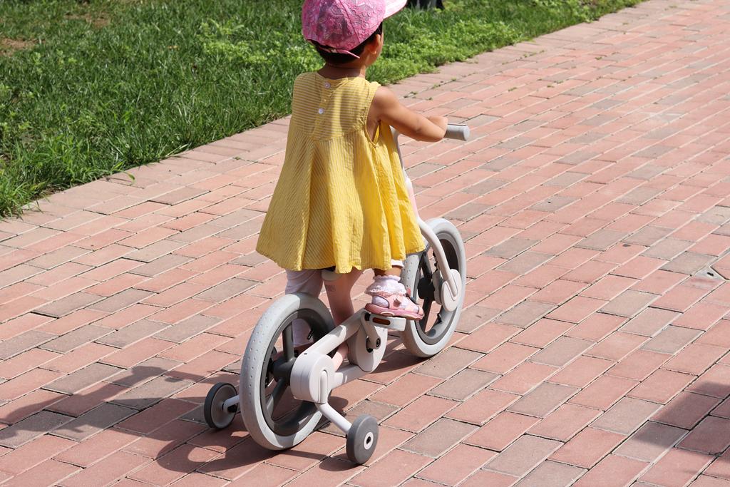 小米布局童车市场,米兔儿童自行车亮点颇多,799元值得买吗?